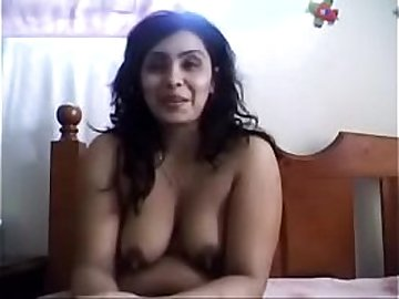 Indian Aunty Masturbating